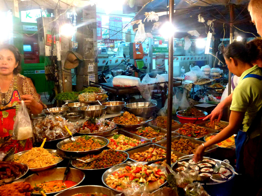 5 reasons why we loved Chiang Mai - a street food stall