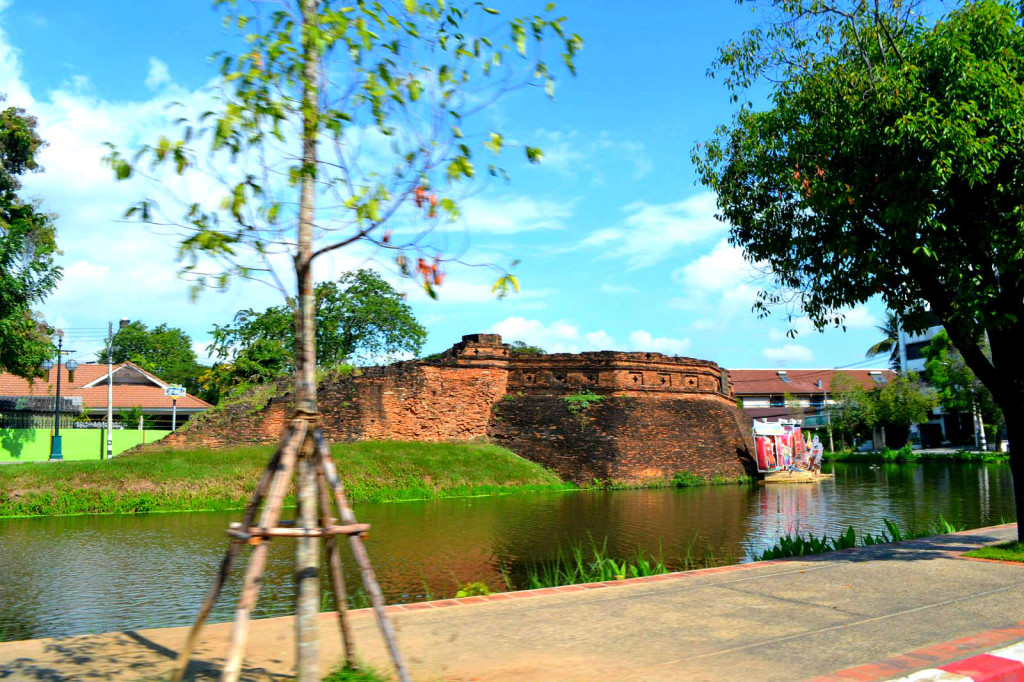 5 reasons why we loved Chiang Mai - moat